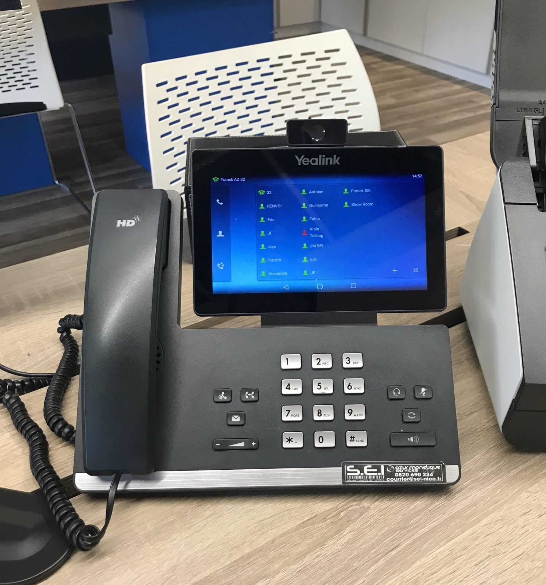 Téléphonie entreprise mise en place pour de la communication interne et externe.